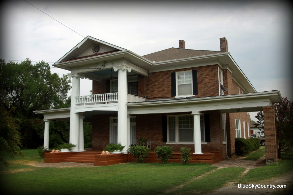 """The Columns"" home in Blooming Grove, Texas"